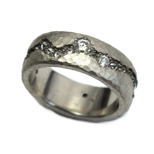Silver Hammered Fissure Diamond Band